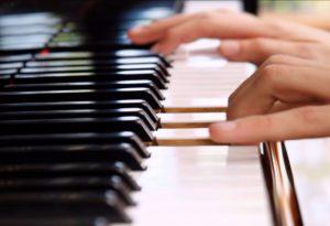 rzetelna nauka gry na pianinie